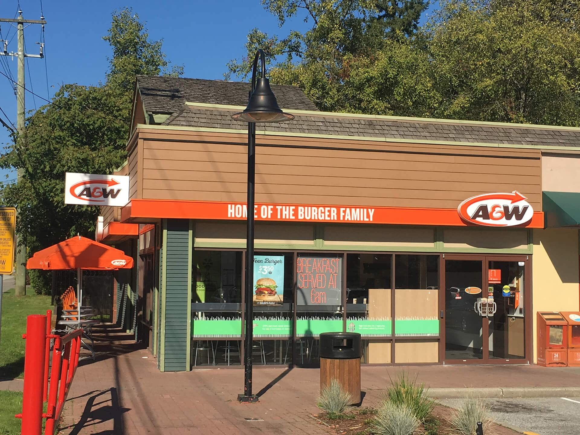 Front view of a A&W painted by Cypress Painting